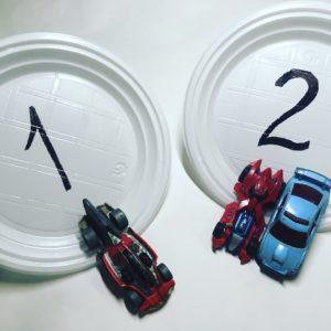 Учимся соотносить написанную цифру с числом предметов.